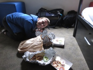 My first official trip picture - Stina getting down on dillas in our hostel room